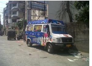 Mobile Van Branding Service 06