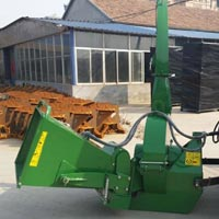 BX Wood Chipper 04
