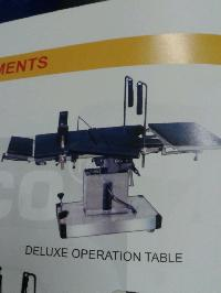 Deluxe Hydraulic Operation Table