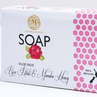 Manuka Honey And Rose Petals Soap