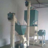 Poultry Feeding Machine