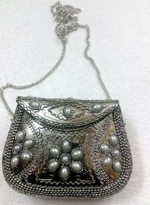 FA0# 29870 Metal Sling Bag