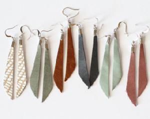 FJ-LER0# 30236 Leather Earrings