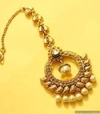 Gold Maang Tikka 02