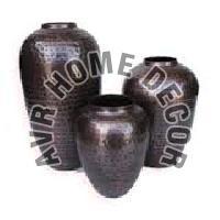 AVR-4000 Iron Flower Vase