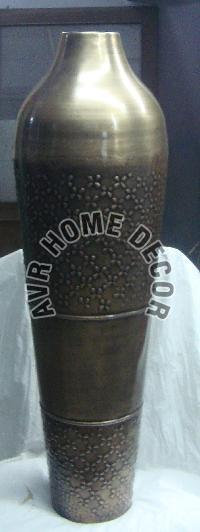 AVR-4018 Iron Flower Vase