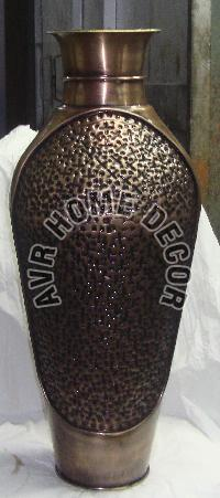 AVR-4019 Iron Flower Vase