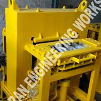 4 Block Type Interlocking Paver Block Making Machine