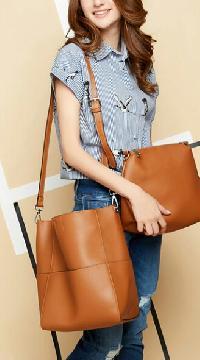 Ladies Leather Hobo Bag