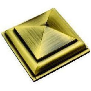 Brass Royal Pyramid Screw Button