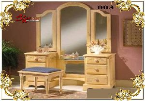 003 Wooden Dressing Table