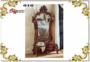 010 Wooden Dressing Table