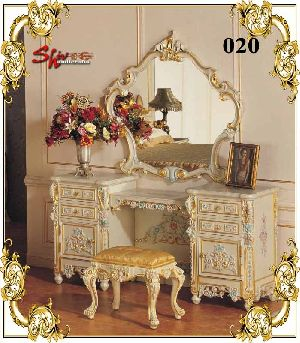 020 Wooden Dressing Table