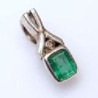 925 Sterling Silver Emerald & Diamond Gemstone Pendant