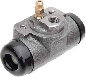 Atul Shakti 3 Wheeler Right Wheel Cylinder