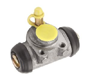 Bajaj RE 3 Wheeler Front Wheel Cylinder
