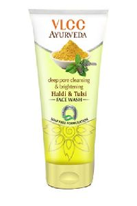 Ayurveda Deep Pore Cleansing Brightening Haldi Facewash