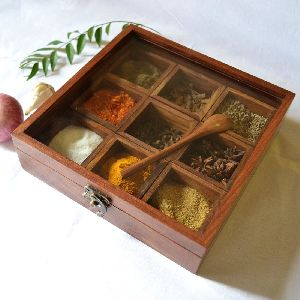 VIAN0480 Wooden Spice Box