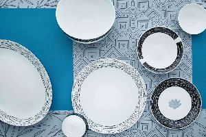 Cello Opaware Royale Dashing Dots Dinner Set