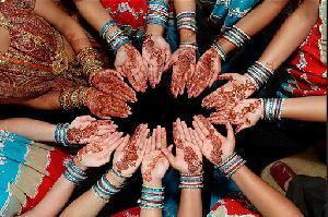 Mehndi Ceremony Description : Chesapeake virginia gujarati indian wedding mehndi ceremony