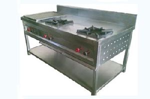 Four Burner Oven With Hot Plate