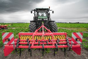 Tractor Cultivator 02