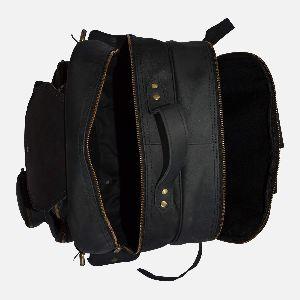 Large Black Leather Rucksack With Multiple Pockets Coburn 02