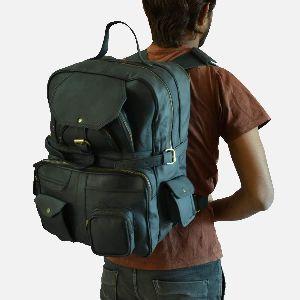Large Black Leather Rucksack With Multiple Pockets Coburn 03
