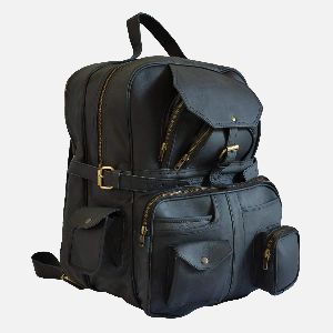 Large Black Leather Rucksack With Multiple Pockets Coburn 05