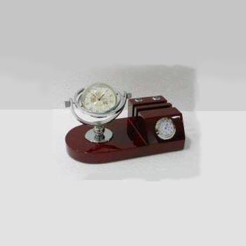 DA-004 Wooden Table Clock