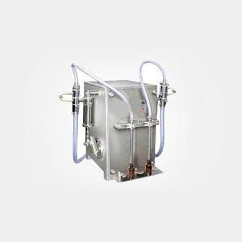 Semi Automatic Twin Head Volumetric Liquid Filling Machine 01