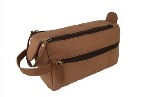 Hunter Leather Toiletry Bag