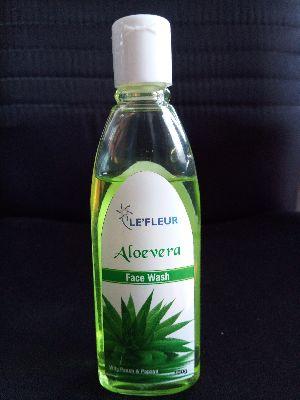 Le\'Fleur Aloevera Face Wash