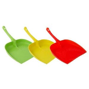 Plastic Dust Pan 02
