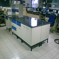 Laboratory Island Bench – 003