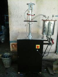 Semi Automatic Vaccumetric Filling Machine