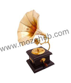 Brass Gramophone 01