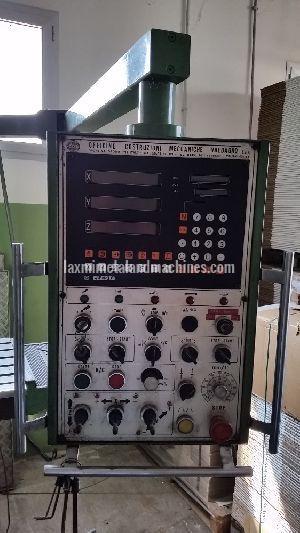 Novar Universal Milling Machine 03