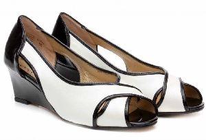 Ladies Footwear 09