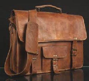 Leather Vintage Messenger Bag 03