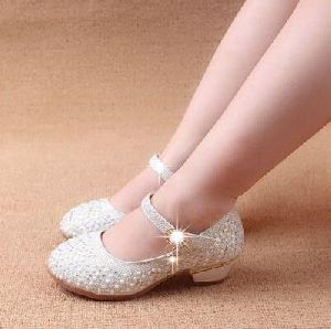 Girls Shoes 01