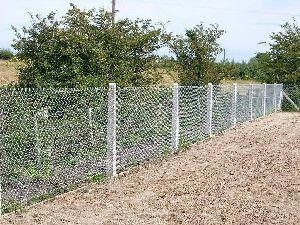RCC Fencing Poles 03