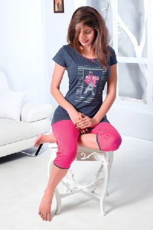 JL-CP-15876 Ladies T-Shirt and Capri Set