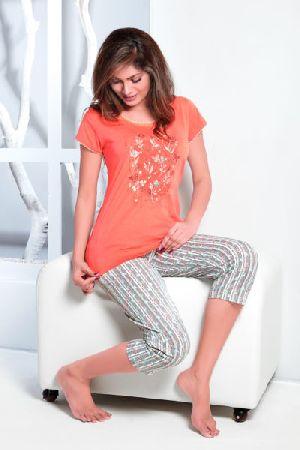 JL-CP-15910 Ladies T-Shirt and Capri Set