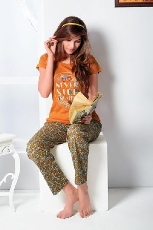 JL-PJ-15807 Ladies T-Shirt and Pyjama Set