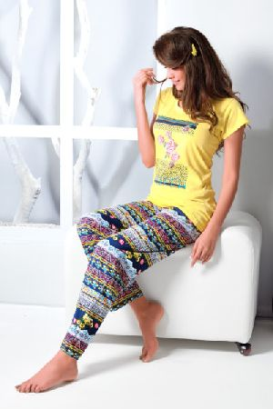 JL-PJ-16300 Ladies T-Shirt and Pyjama Set