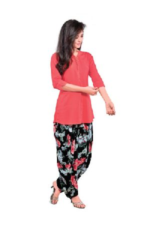 Ladies Patiala Salwar and Short Kurti Set
