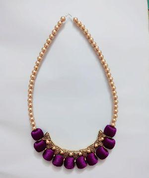 Silk Thread Necklace 01