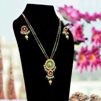 Handmade Paddy Pendant Necklace Set