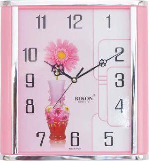561-PIC 01 Economic Wall Clock
